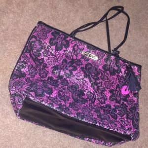 Brand new with out tags Betsy Johnson tote
